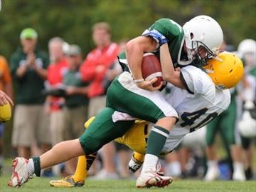 Tough running QB Job Reinhart lowers the boom on defender
