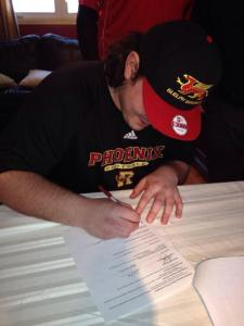OL recruit Andrew Pickett signs his LOI