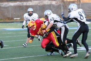 Lakeshore LB Stairs makes tackle in Junior Metro Bowl