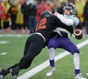 Cam Walker makes big hit on UWO QB